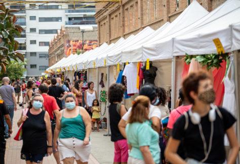 La II Fira d'Economia Social i Solidària omple Can Batlló de projectes transformadors